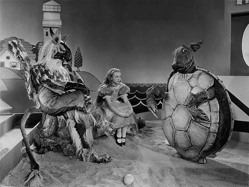 Alice au Pays des Merveilles (Alice in Wonderland) - de Norman Z. McLeod - 1933 dans 1930-1939 alice-au-pays-des-merveilles