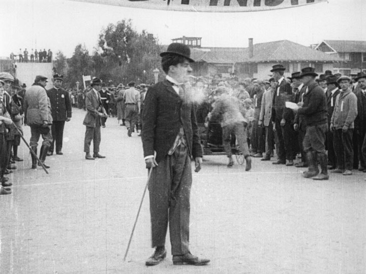 Charlot est content de lui (Kid Auto Races at Venice, Cal.) - de Henry Lehrman - 1914 dans 1895-1919 charlot-est-content-de-lui