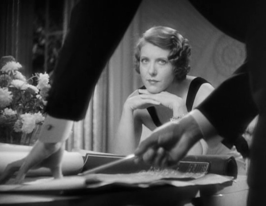 Female (id.) – de Michael Curtiz (et William Wellman) – 1933 dans 1930-1939 female